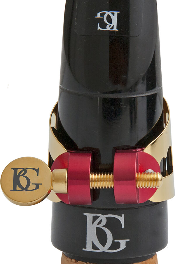 ld0-duo-ligature-gold-lacquered-in-use-clarinet-bb-1