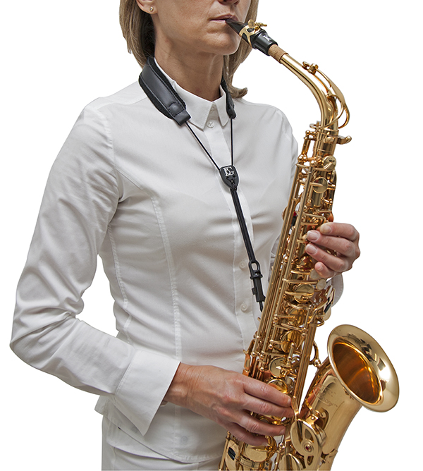 s20sh-leather-strap-snap-hook-in-use-a-t-sax-3