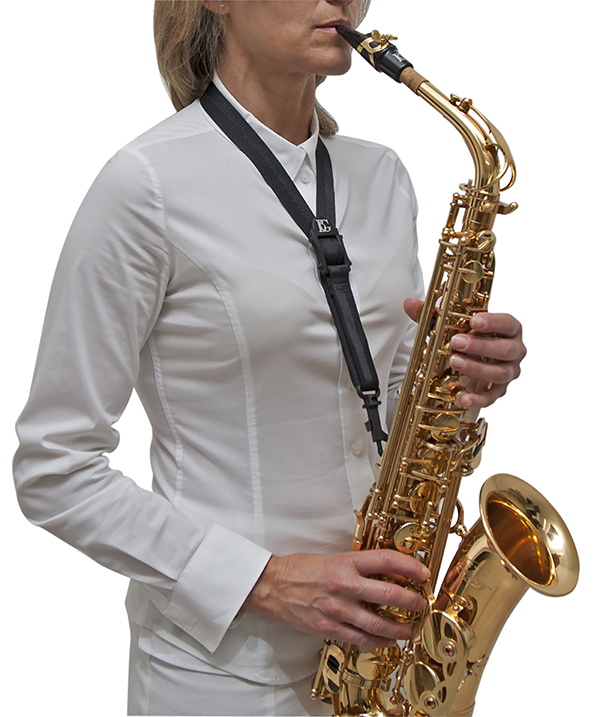 s30sh-standard-strap-regular-size-snap-hook-in-use-a-t-sax-3