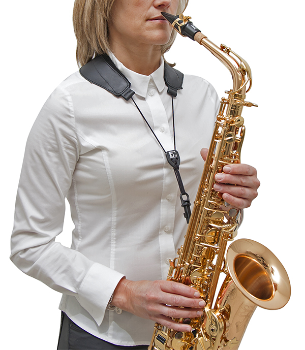 s70sh-leather-yoke-strap-regular-size-snap-hook-in-use-a-t-sax-2